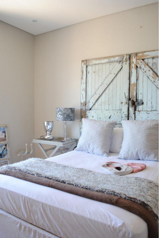 Cabecero con dos puertas para el dormitorio